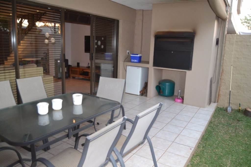 Property and Houses for sale in Olympus - Page 4, Townhouse, 3 Bedrooms - ZAR 1,490,000