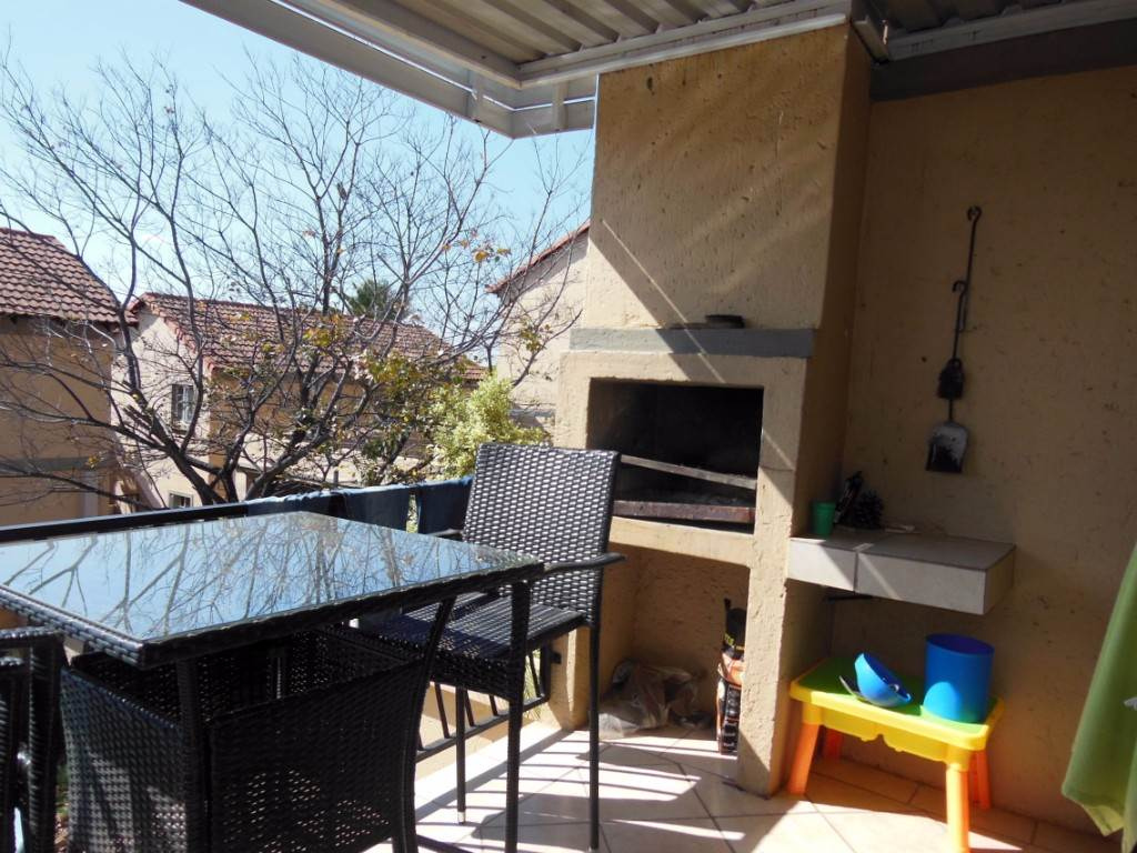 Property and Houses for sale in La Montagne, Townhouse, 3 Bedrooms - ZAR 1,399,000