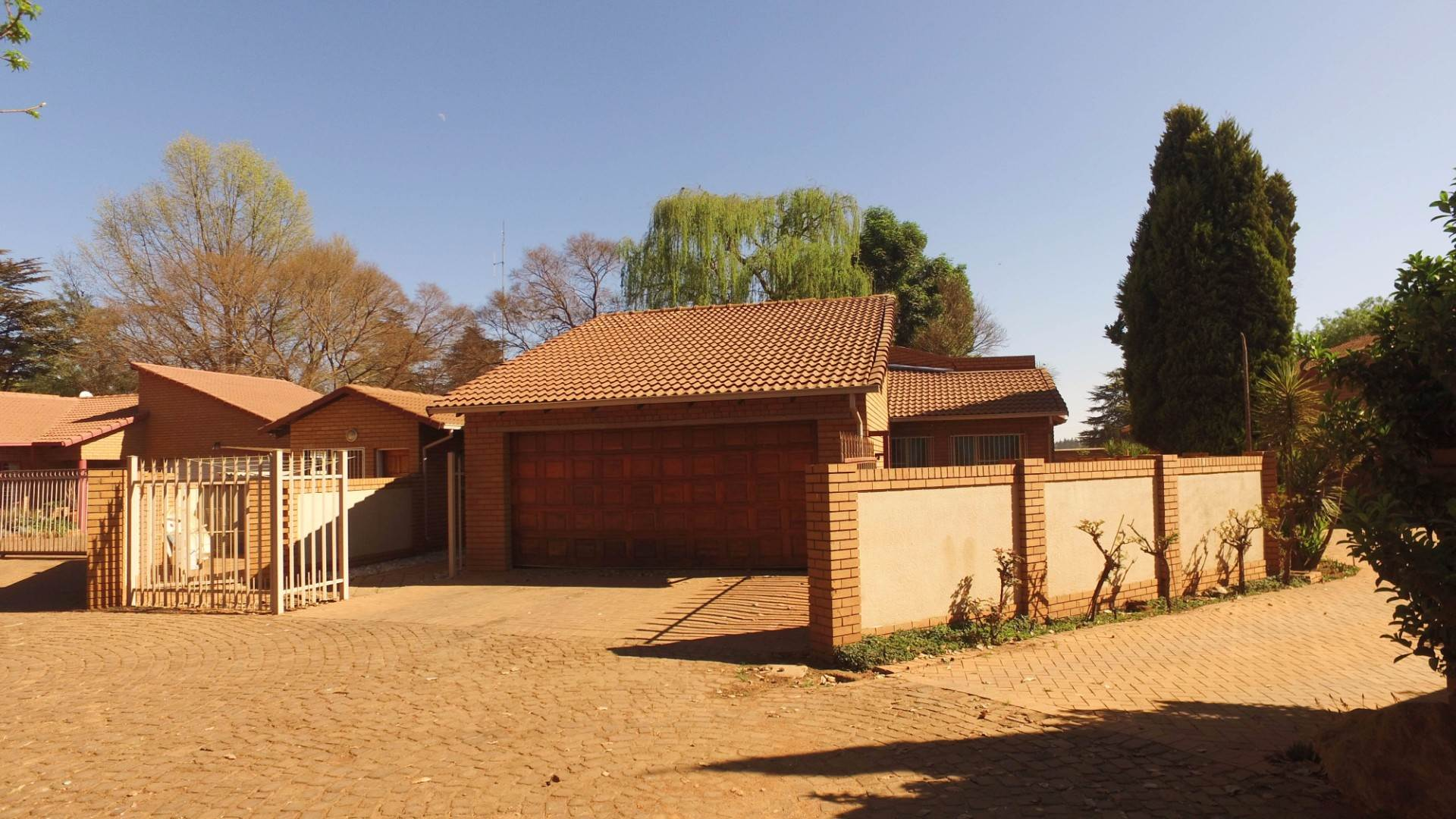 2 BedroomTownhouse For Sale In Delmas & Ext