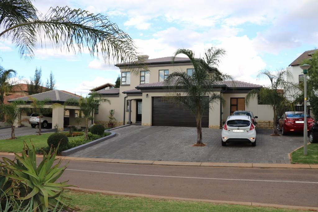 , House, 4 Bedrooms - ZAR 3,790,000