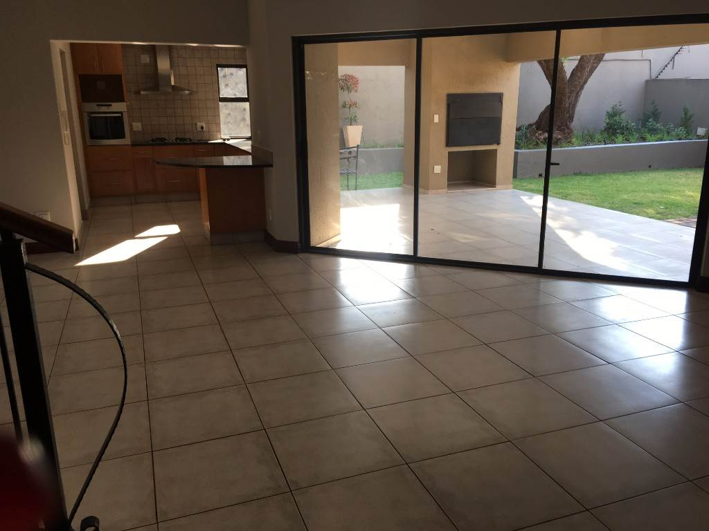 Waterkloof property to rent. Ref No: 13534688. Picture no 5