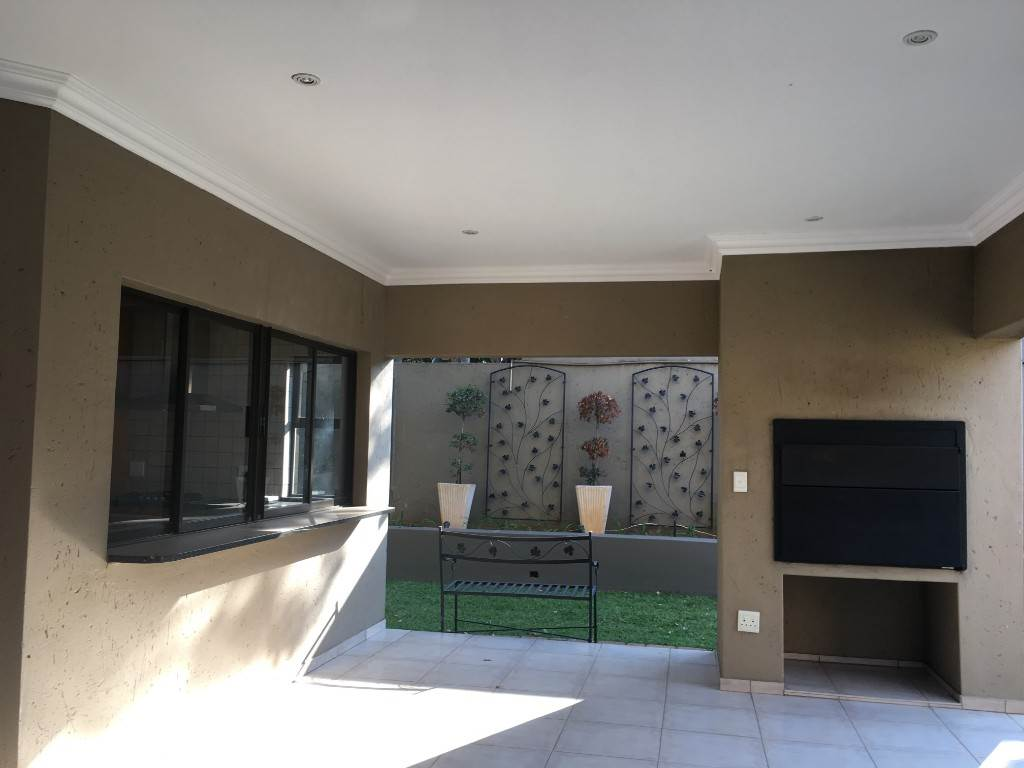 Waterkloof property to rent. Ref No: 13534688. Picture no 3