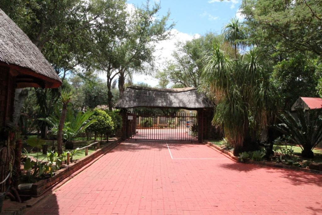 5 BedroomGuest House For Sale In Thabazimbi