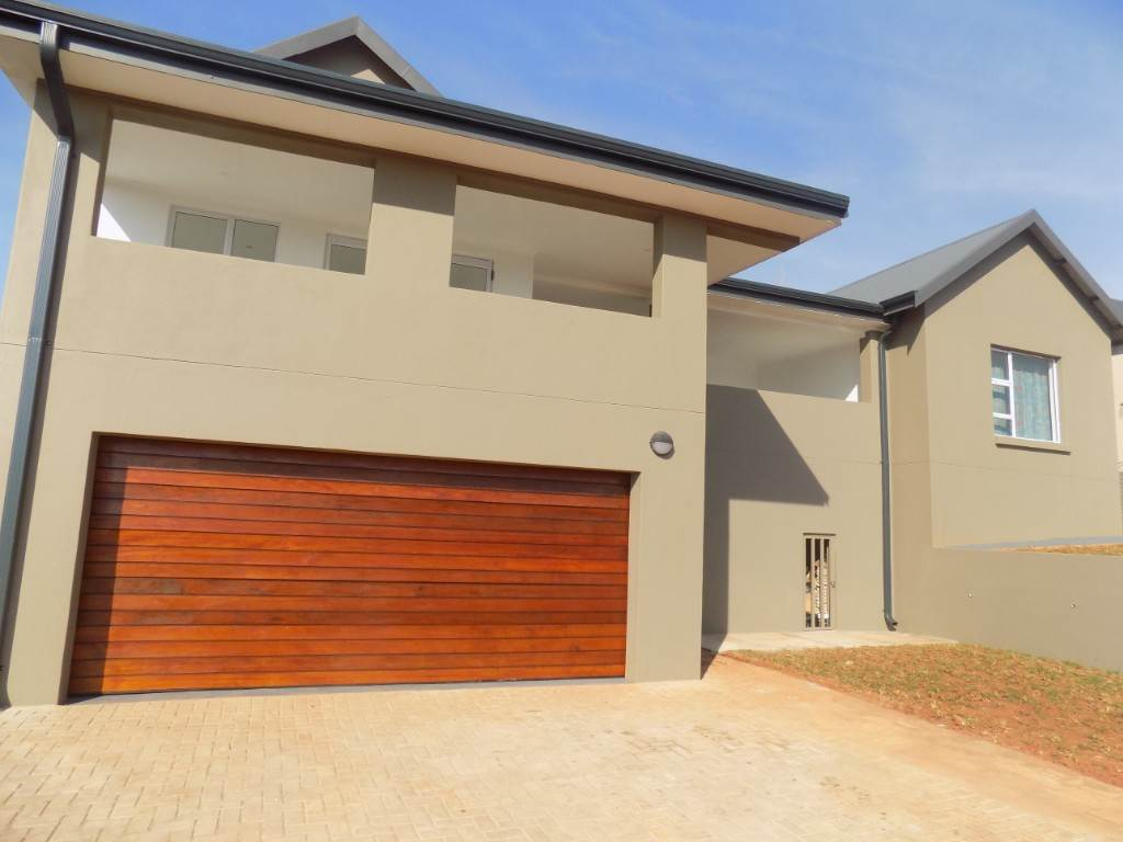 4 BedroomHouse For Sale In Aquapark