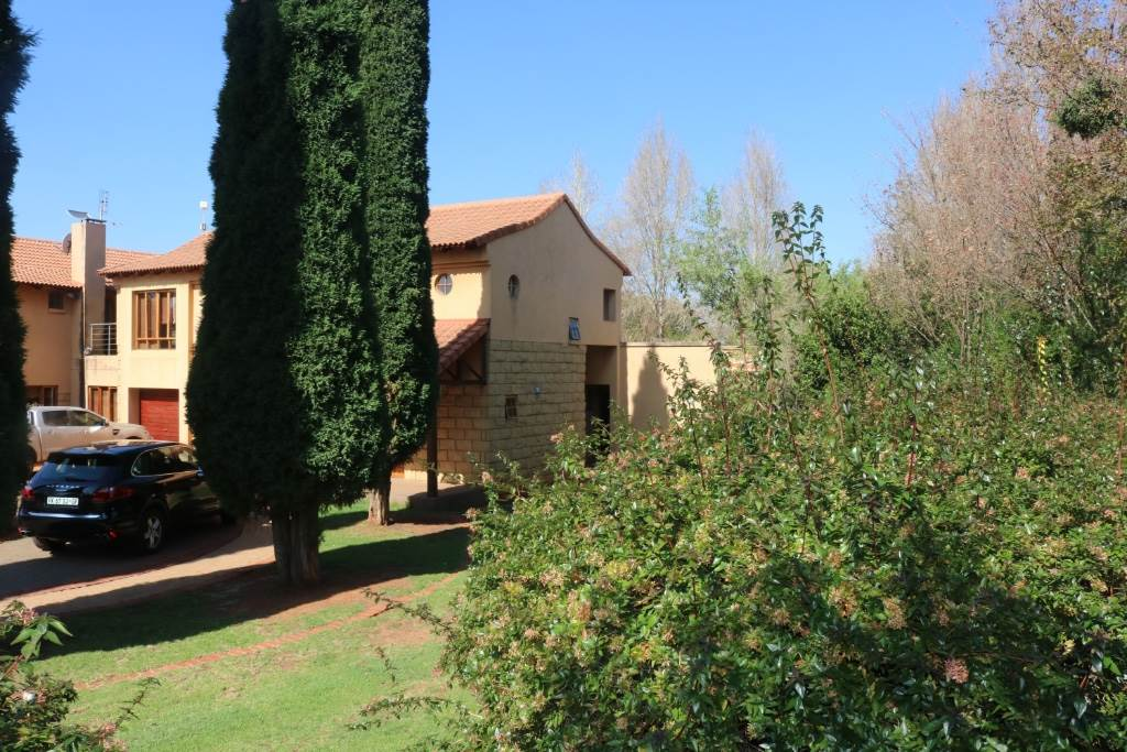 Mooikloof Equestrian Estate property for sale. Ref No: 13534666. Picture no 52