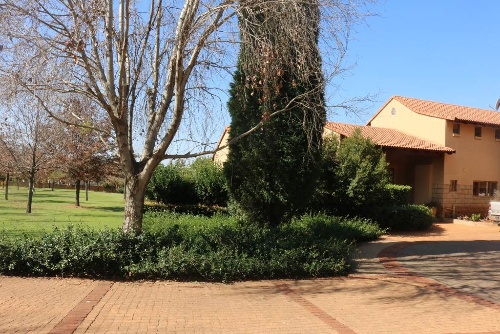 Mooikloof Equestrian Estate property for sale. Ref No: 13534666. Picture no 54