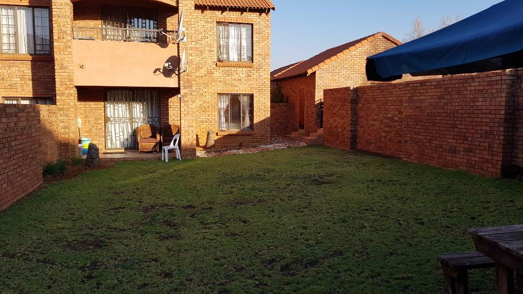 Pretoria, Mooikloof Ridge Property  | Houses To Rent Mooikloof Ridge, MOOIKLOOF RIDGE, Townhouse 2 bedrooms property to rent Price:,  7,00*