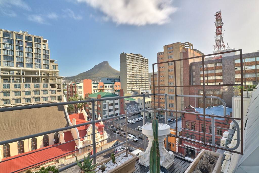 Cape Town property for sale. Ref No: 13506951. Picture no 3