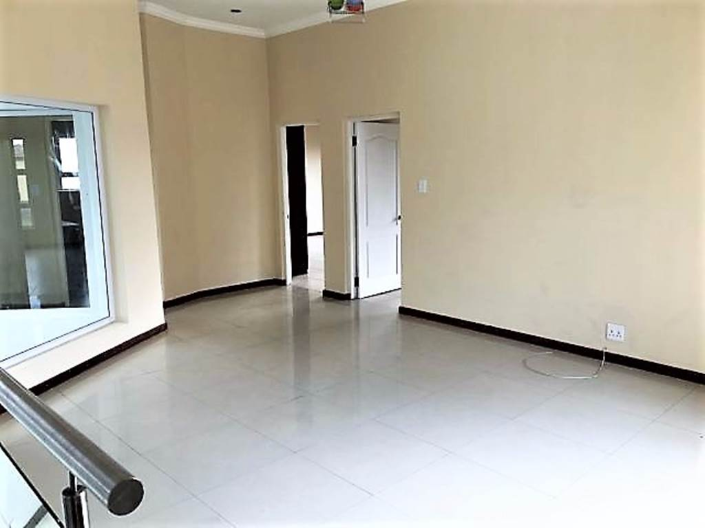Theresapark property for sale. Ref No: 13534173. Picture no 17