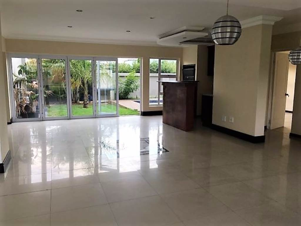 Theresapark property for sale. Ref No: 13534173. Picture no 11