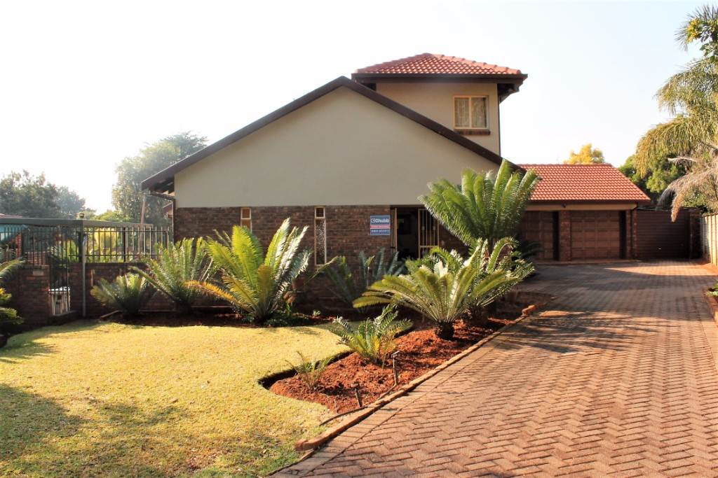 Property and Houses for sale in Theresapark, House, 4 Bedrooms - ZAR 1,470,000