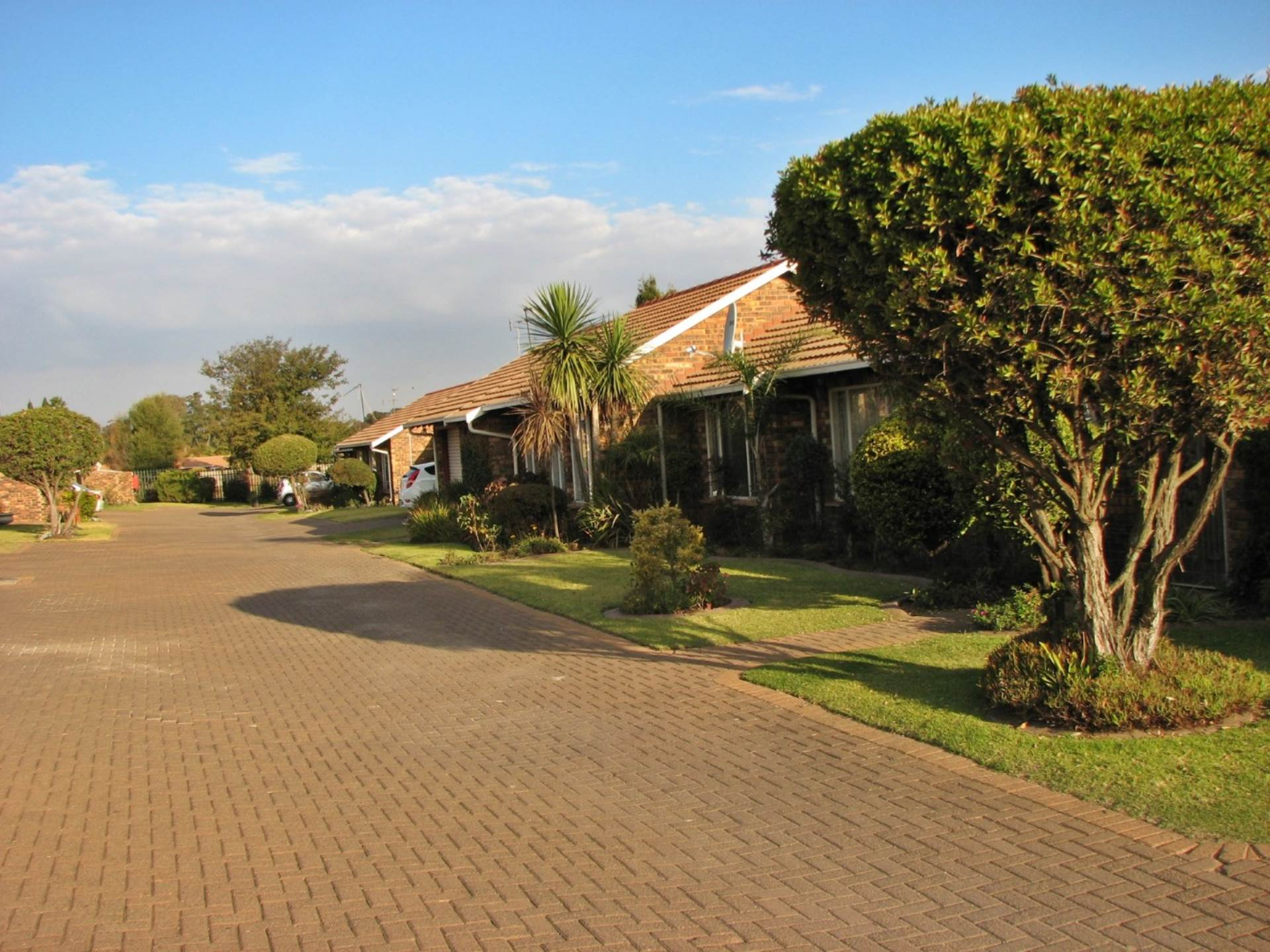3 BedroomTownhouse For Sale In Goedeburg Ext 3