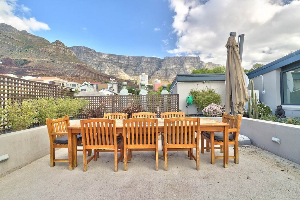 Vredehoek property for sale. Ref No: 13506940. Picture no 2