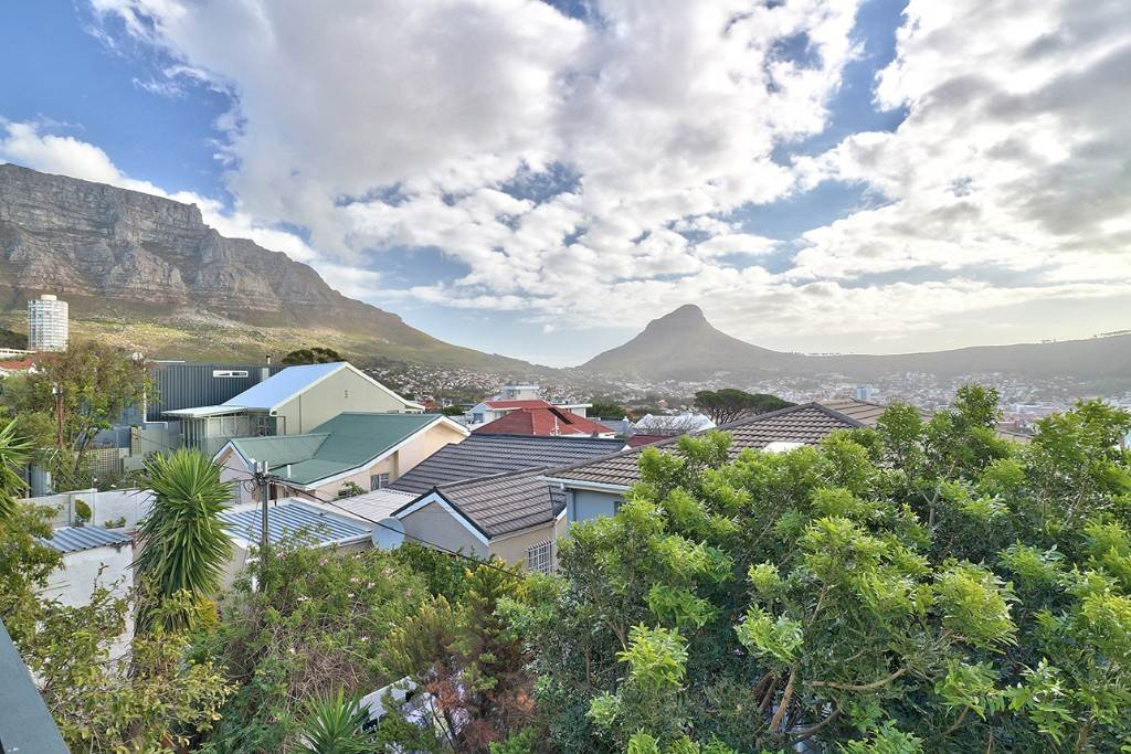 Vredehoek property for sale. Ref No: 13506940. Picture no 4