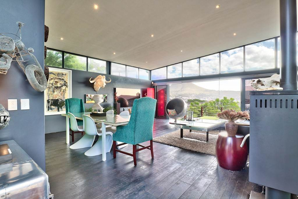 Vredehoek property for sale. Ref No: 13506940. Picture no 11
