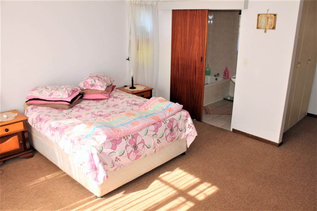 Clarina property for sale. Ref No: 13534219. Picture no 14