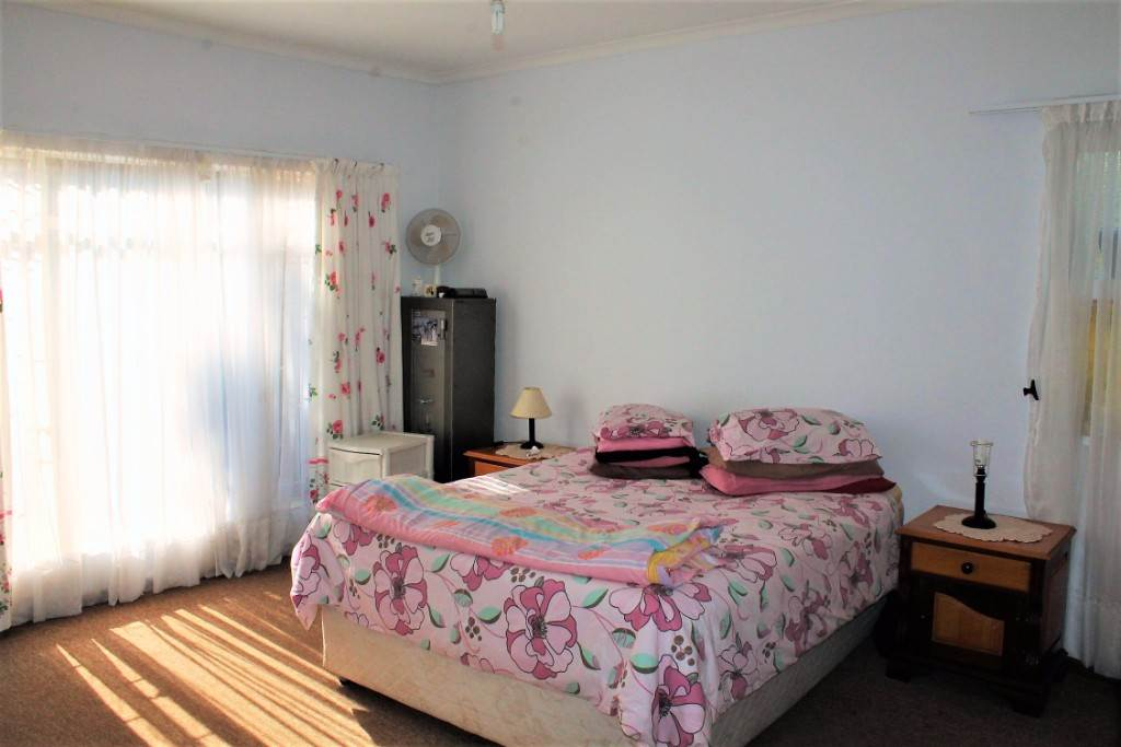 Clarina property for sale. Ref No: 13534219. Picture no 12