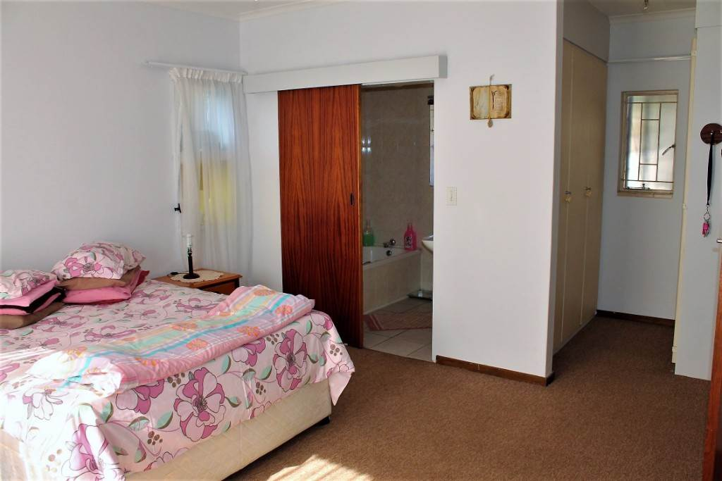 Clarina property for sale. Ref No: 13534219. Picture no 8