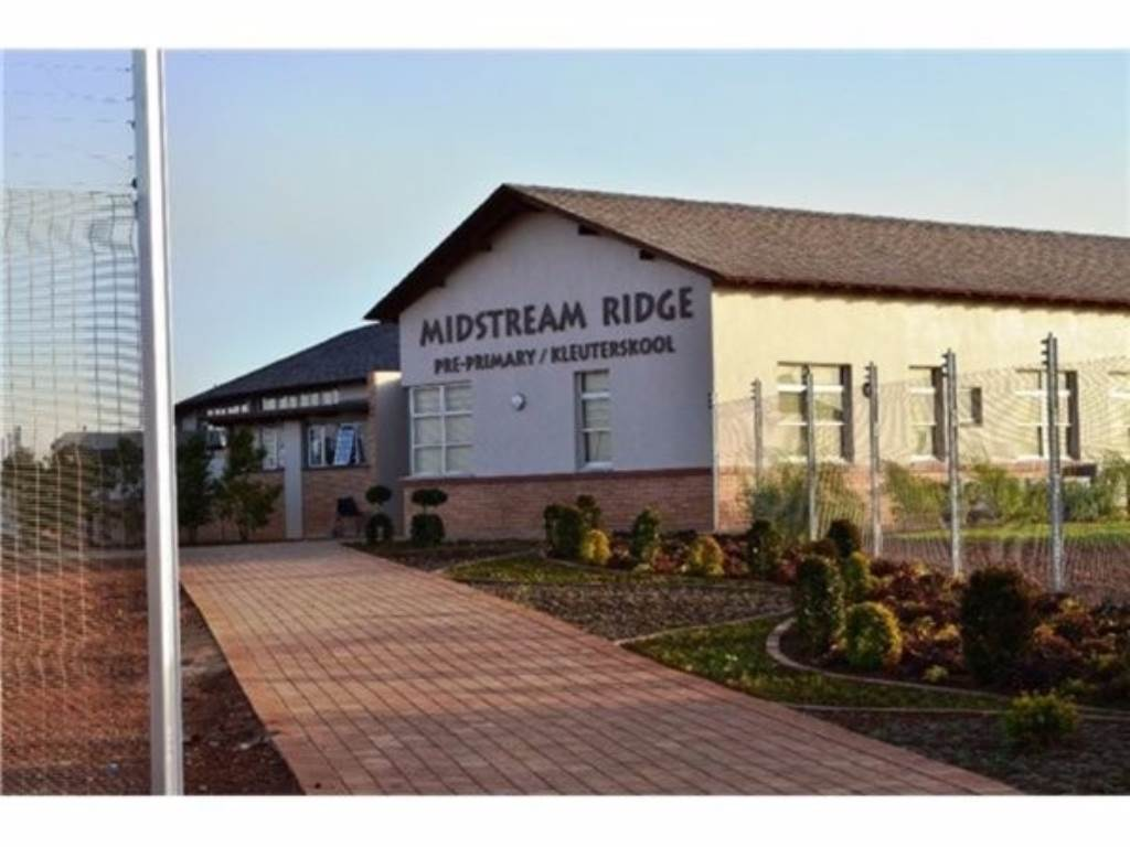 Midstream Ridge property for sale. Ref No: 13534830. Picture no 10