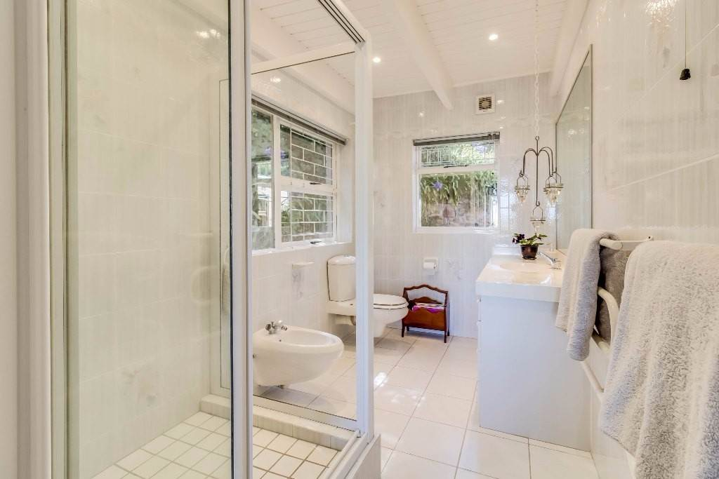 Camps Bay property for sale. Ref No: 13506841. Picture no 19