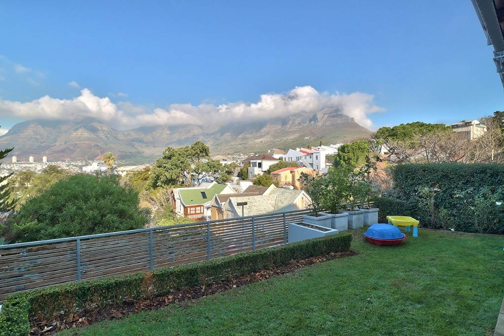 Tamboerskloof property for sale. Ref No: 13506827. Picture no 27