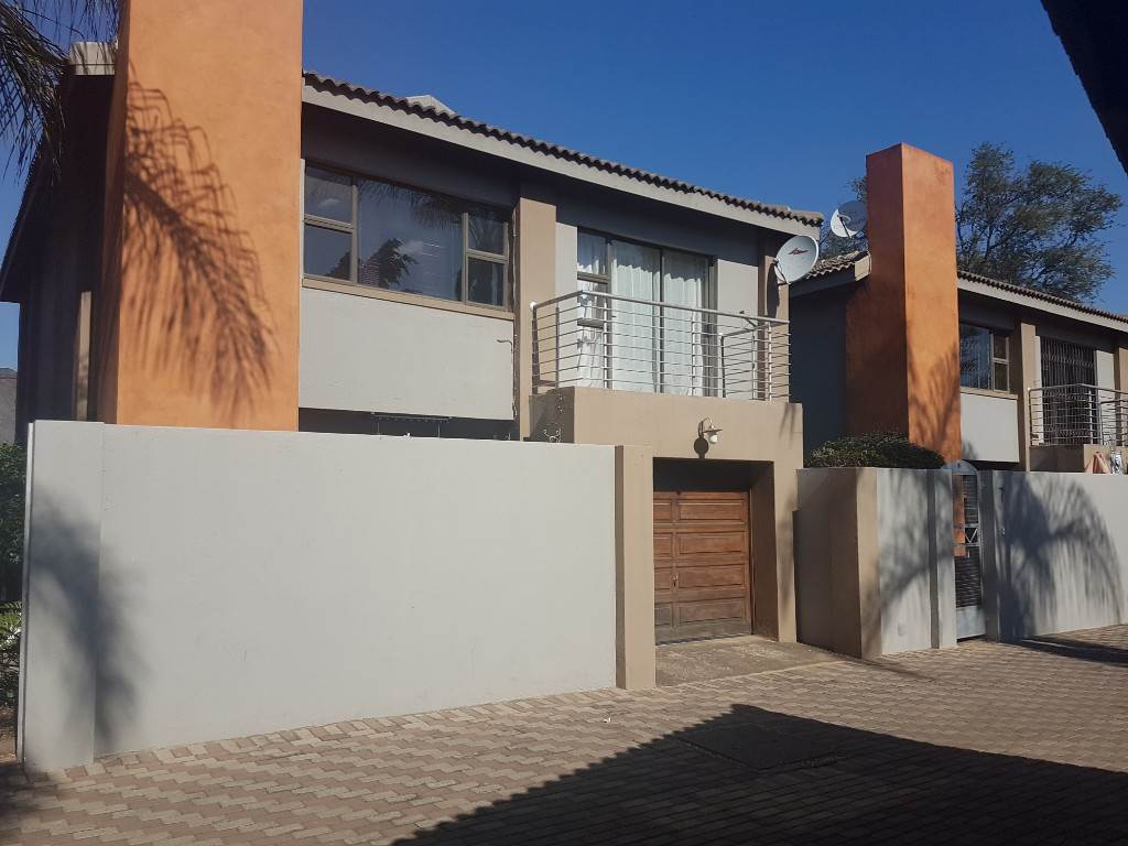 2 BedroomTownhouse For Sale In Moregloed