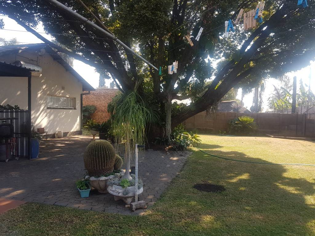 Silverton property for sale. Ref No: 13534707. Picture no 19