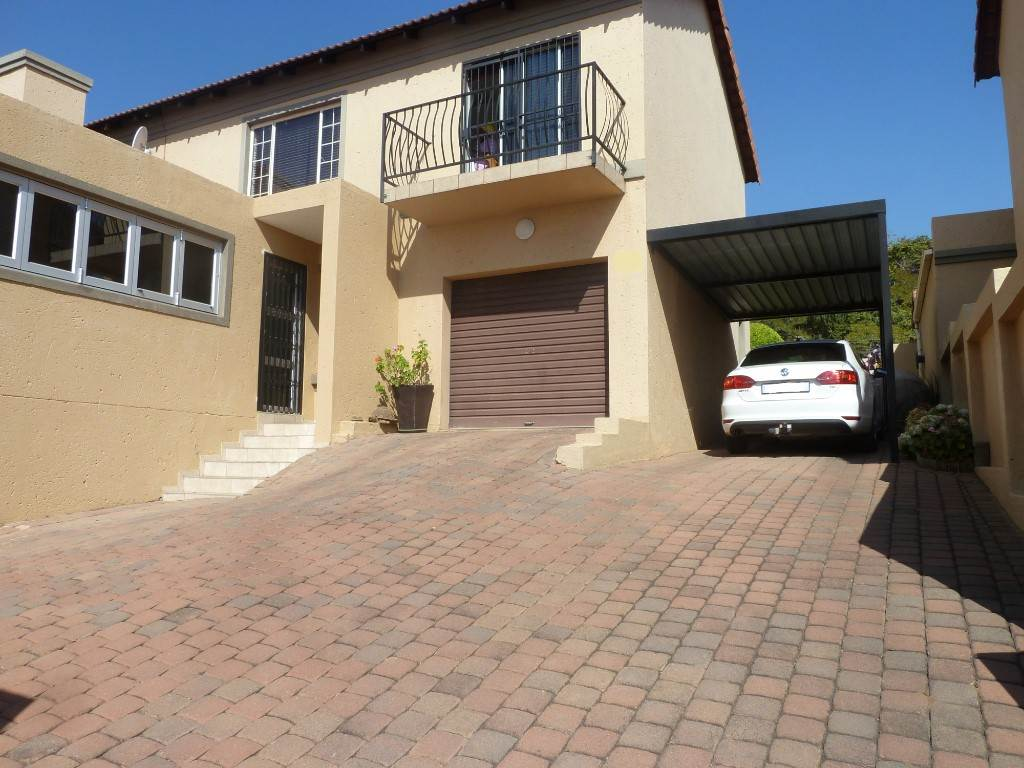 Property and Houses for sale in La Montagne, Townhouse, 3 Bedrooms - ZAR 1,300,000