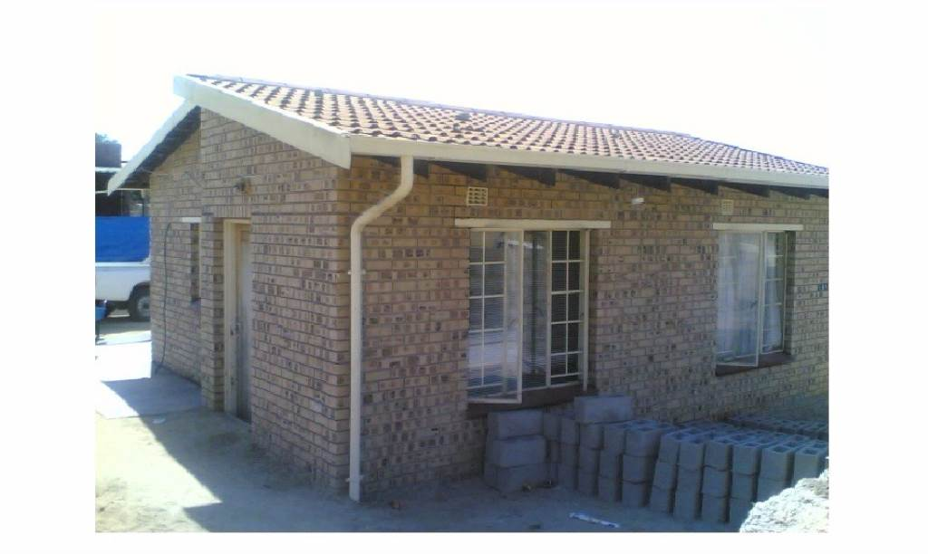 2 BedroomHouse For Sale In Hazyview