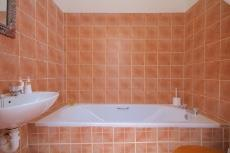 2 Bedroom House for sale in Sea Point 1011213 : photo#9
