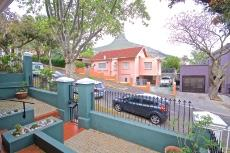 2 Bedroom House for sale in Sea Point 1011213 : photo#0