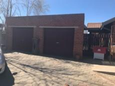 3 Bedroom House for sale in Uitsig 1013581 : photo#23