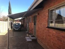 3 Bedroom House for sale in Uitsig 1013581 : photo#3