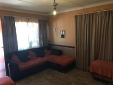 4 Bedroom House for sale in Uitsig 1015653 : photo#14