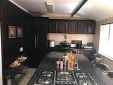4 Bedroom House for sale in Uitsig 1015653 : photo#3
