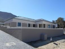 4 Bedroom House for sale in Onrus River 1026858 : photo#1