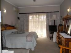 4 Bedroom House for sale in Meyerspark & Ext 1029178 : photo#9