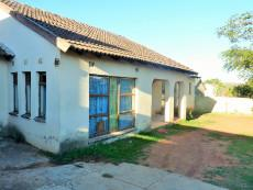 3 Bedroom House for sale in Bushbuckridge 1031426 : photo#1