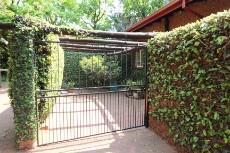 3 Bedroom Townhouse pending sale in Hennopspark 1031778 : photo#4