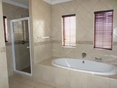 3 Bedroom House for sale in Faerie Glen 1033161 : photo#17