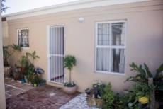 2 Bedroom House for sale in Parklands 1033421 : photo#0