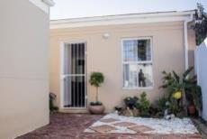 2 Bedroom House for sale in Parklands 1033421 : photo#3