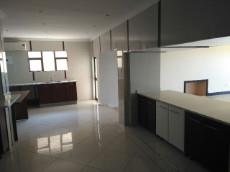 7 Bedroom House for sale in La Lucia 1034848 : photo#2