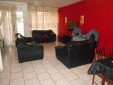 3 Bedroom Townhouse for sale in Clubview 1035784 : photo#2