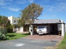 4 Bedroom House for sale in Franskraal 1037293 : photo#1