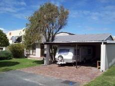 4 Bedroom House for sale in Franskraal 1037293 : photo#0