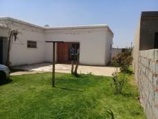 2 Bedroom House for sale in Tsakane 1037812 : photo#1