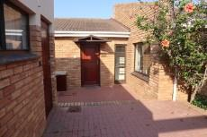 3 Bedroom Townhouse auction in Mossel Bay 1038109 : photo#2