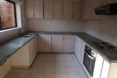 3 Bedroom Townhouse auction in Mossel Bay 1038109 : photo#6
