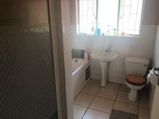 3 Bedroom House pending sale in The Reeds 1038657 : photo#4
